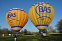 Luchtballonnen mogen per direct weer mensen meenemen de lucht in. De mensen van BAS Ballonvaarten uit Laren staan te springen.