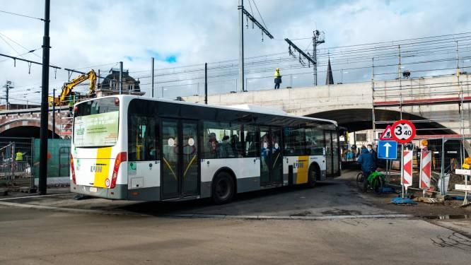 """Stad verlengt vergunning busstelplaats Zurenborg voor maximaal 3 jaar: """"Uitdrukkelijk rekening gehouden met wensen buurtbewoners"""""""