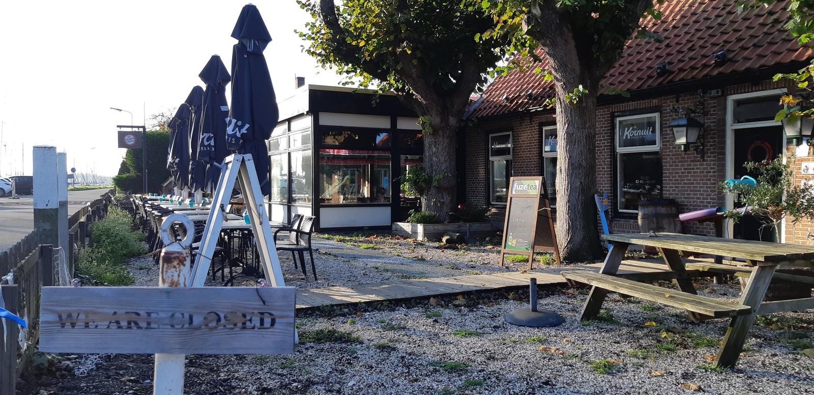 Hansa Watersport & Recreatie heeft het café-restaurant gekocht. De eetgelegenheid gaat weer open zodra er een geschikte uitbater is gevonden.