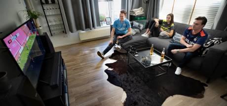 'De vriendengroep missen we dit voetbalseizoen nog wel het meest', zeggen PSV-supporters over rampseizoen