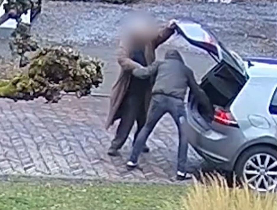 Een bejaarde man wordt op de Sterreschansweg in Nijmegen beroofd van 10.000 euro.