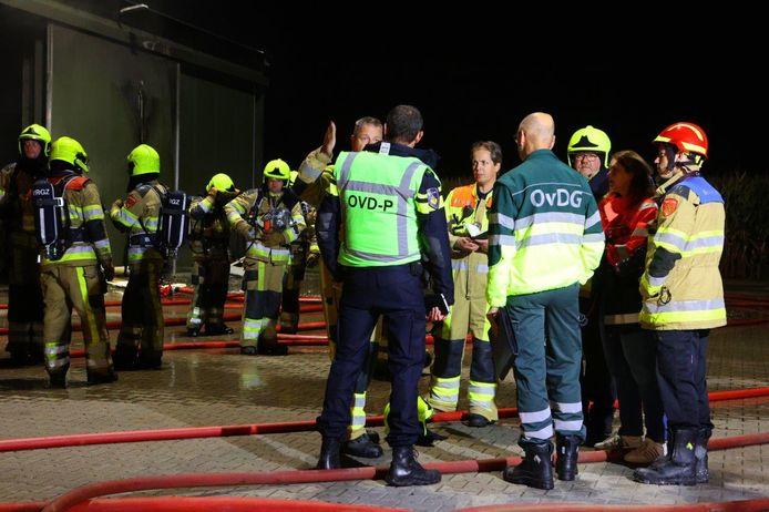 Bij het bestrijden van de brand werden onder meer brandweerkorpsen uit Kerkdriel, Hedel, Zaltbommel, Waardenburg, Geldermalsen en Beesd opgeroepen.