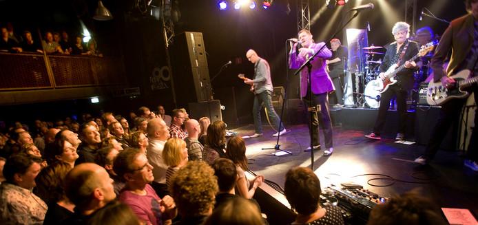 Bijna een vaste gast bij De Pul in Uden: De Dijk met frontman Huub van der Lubbe. Misschien wel uw mooiste Pul-moment. Laat het ons weten.