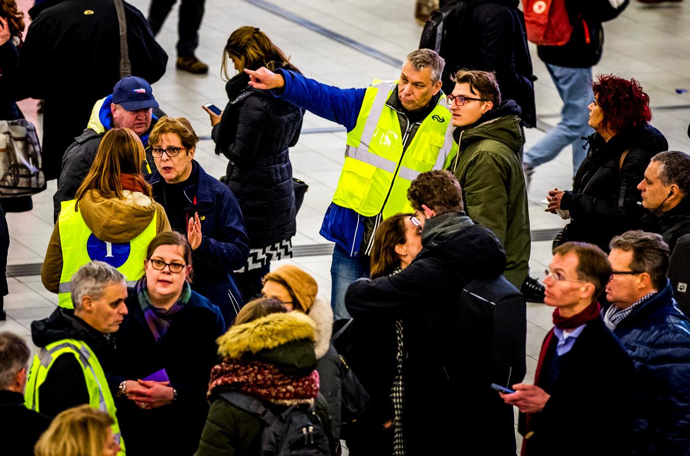 Gestrande treinreizigers op Utrecht CS.