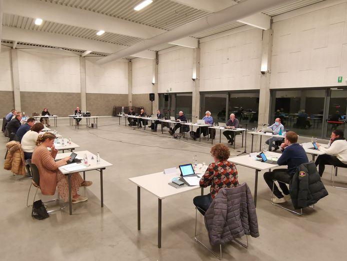 De gemeenteraad vond maandag opnieuw plaats in zaal De Magneet