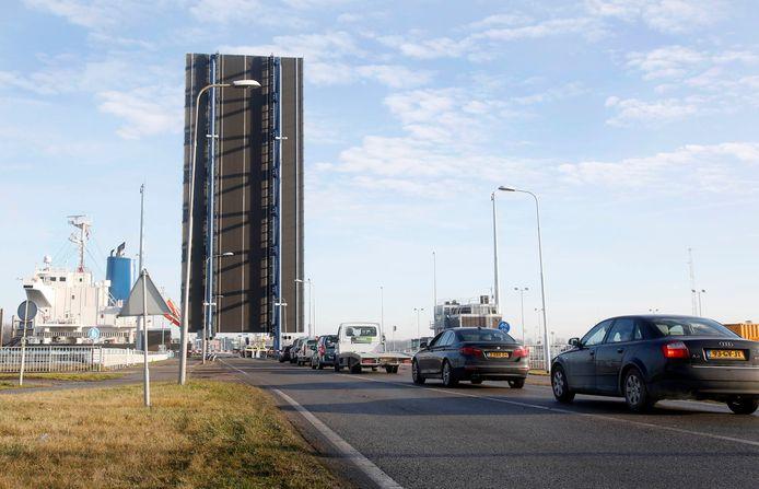 Noordbrug Westsluis Terneuzen, archieffoto.