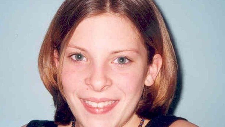 Journalisten van News of the World zouden in 2002 de voicemail van het destijds vermiste meisje Milly Dowler hebben onderschept. Beeld AP