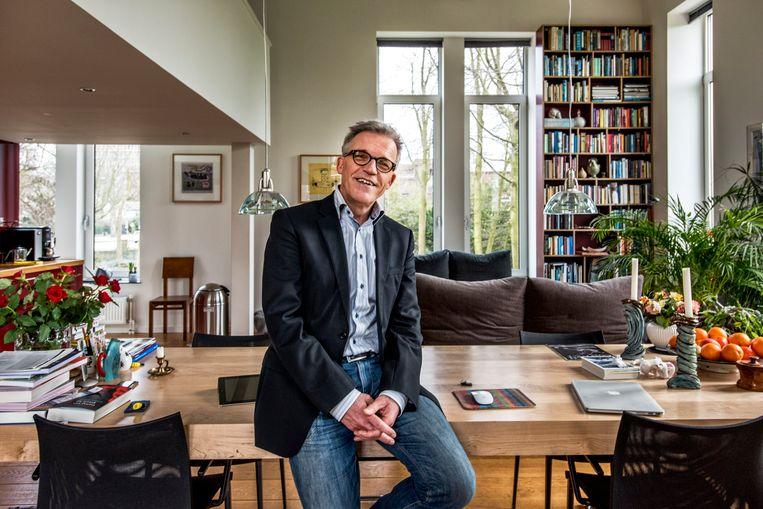 'Als Mark Rutte een kritisch advies ontvangt van de Raad van State zal hij zich afvragen: 'Moet ik mij er iets van aantrekken? Zo niet, dan trek ik mij er niets van aan'', zegt Wim Derksen, emeritus hoogleraar bestuurskunde en oud-lid WRR. Beeld Raymond Rutting / de Volkskrant