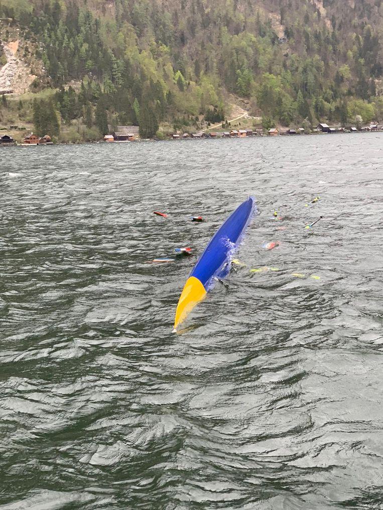 In Zwitserland is de boot van de Holland Acht omgeslagen en gezonken. Beeld Sportredactie Trouw