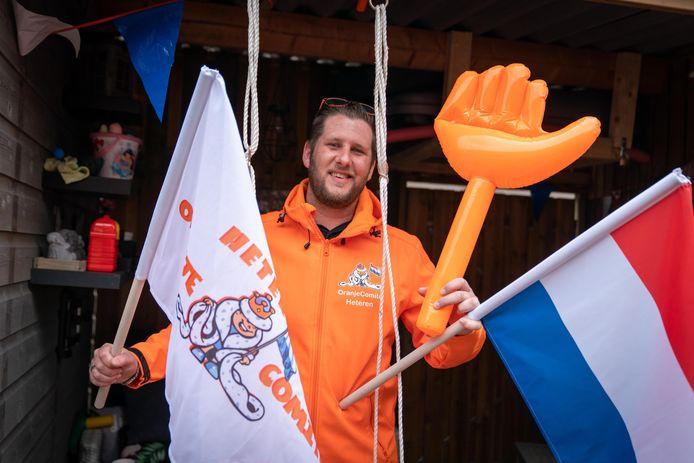 """Oranjeman Mark van Eldik. ,,Ik vind onze koning een heel sympathieke man. Ook al koopt hij een dure speedboot. Daar lig ik niet wakker van."""""""