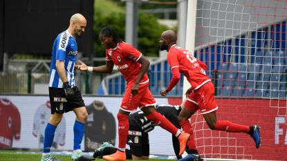 LIVE. Knotsgekke wedstrijd: Charleroi, met 10, verspeelt 0-2 op de Bosuil in strijd om Europees ticket