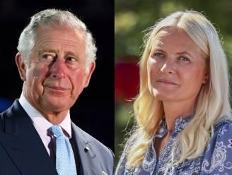 ROYAL BITS. Prins Charles voegt zich bij crisisberaad om prins Andrew en prinses Mette-Marit van Noorwegen laat hart spreken