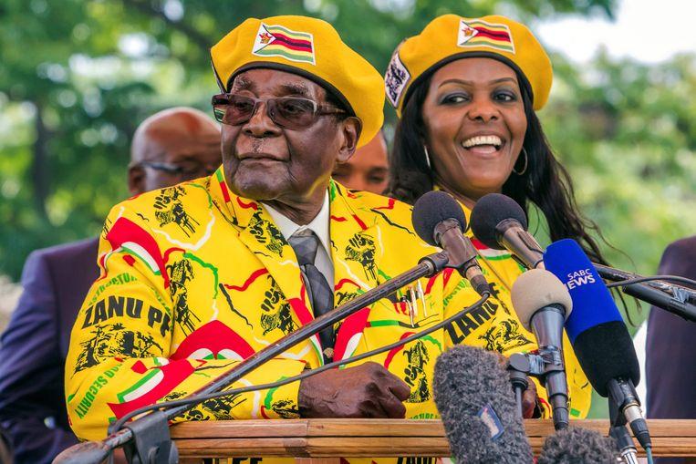Robert Mugabe en zijn vrouw Grace. Beeld AFP
