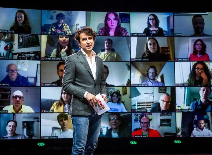 GroenLinks-leider Jesse Klaver stond tijdens de aftrap van deze verkiezingscampagne niet in een volle Afas Live, maar voor een videoscherm.