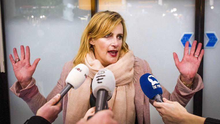 De journalist Rena Netjes spreekt met de pers, direct na haar aankomst op Schiphol begin februari. Beeld EPA