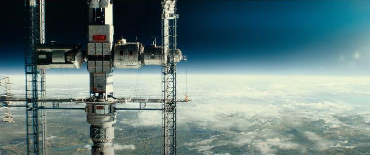 De ruimtelift in Ad Astra. Beeld Filmstill