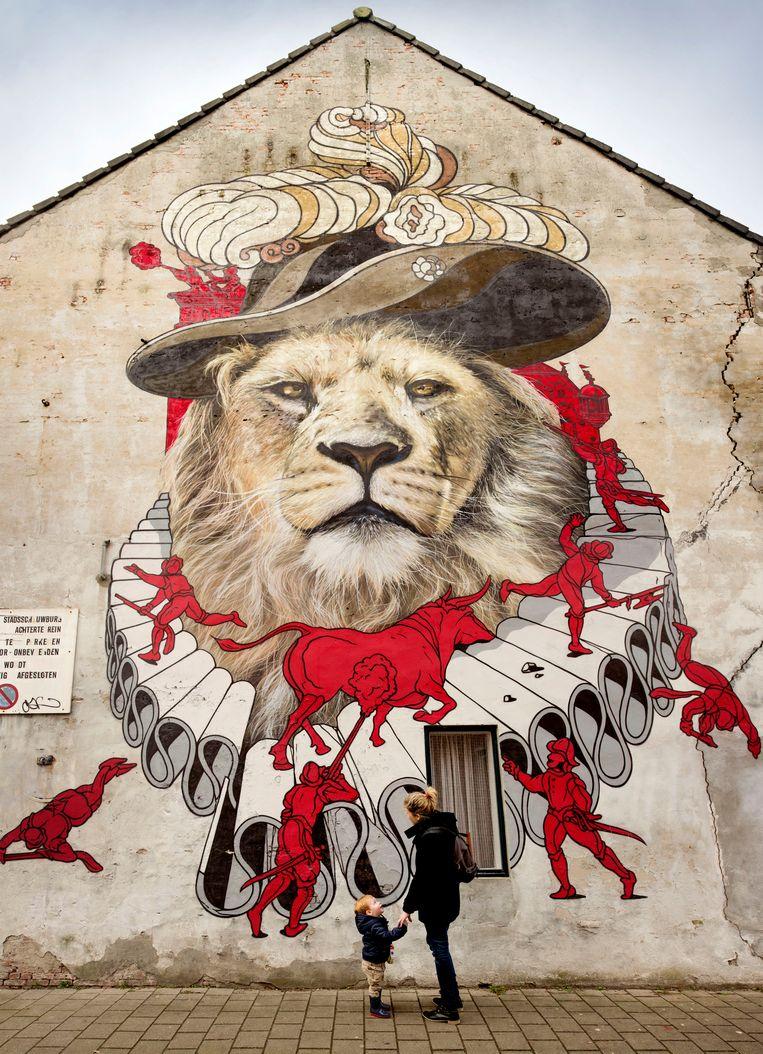 De leeuw die oud-burgemeester Godevaert Montens verbeeldt (door Henk One).  Beeld Pix4Profs/Edwin Wiekens