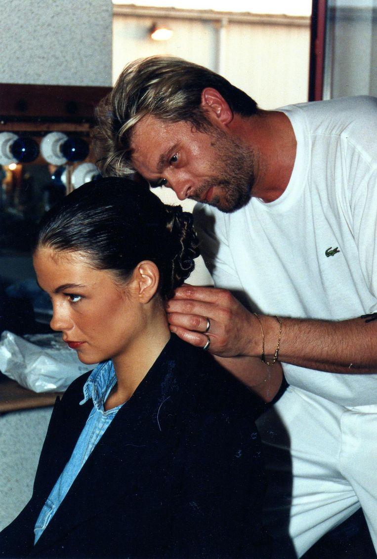 Paul nam heel wat BV's 'onder handen', zoals hier voormalig Miss België Stephanie Meire.