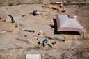 Archeologen aan het werk bij de Golden Rock-plantage op Sint Eustatius, waar een slavenbegraafplaats is aangetroffen.