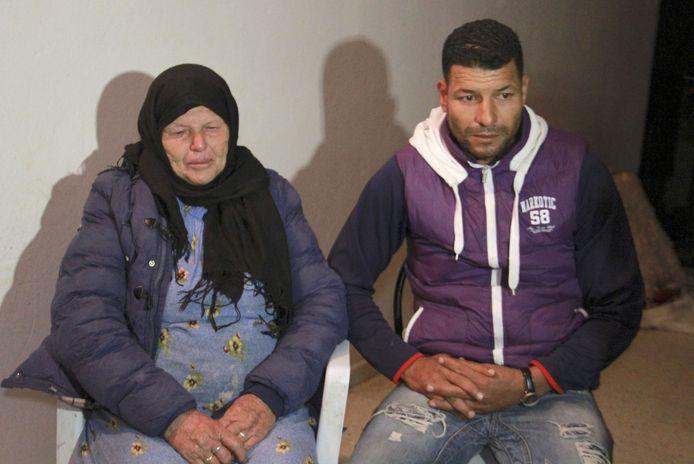 La mère et le frère de l'assaillant.