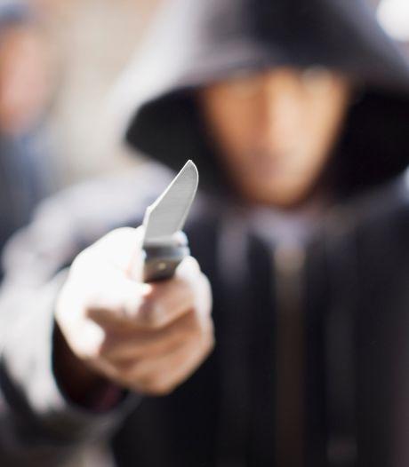 Beroving met mes in Breda, daders op de vlucht