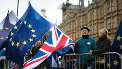 Hoe moet het verder nu brexitdeal is afgevoerd? Alle scenario's op een rij