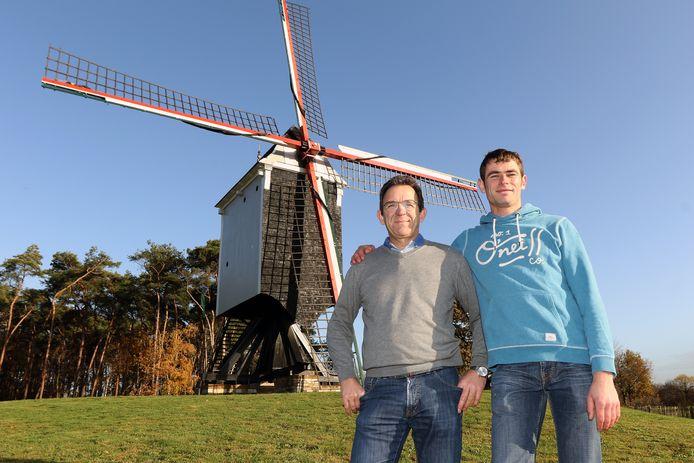 Karel en Jonas Vaneynde aan de Beddermolen in Tongerlo.