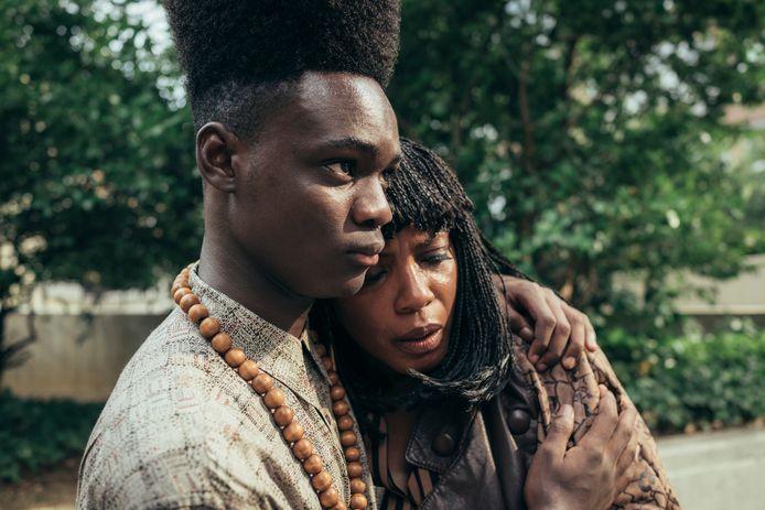 Oprahs series 'When They See Us' (l.) en 'David Makes Man' (r.) spelen zich af in armtierige milieus: de omgeving waarin ook zij opgroeide.