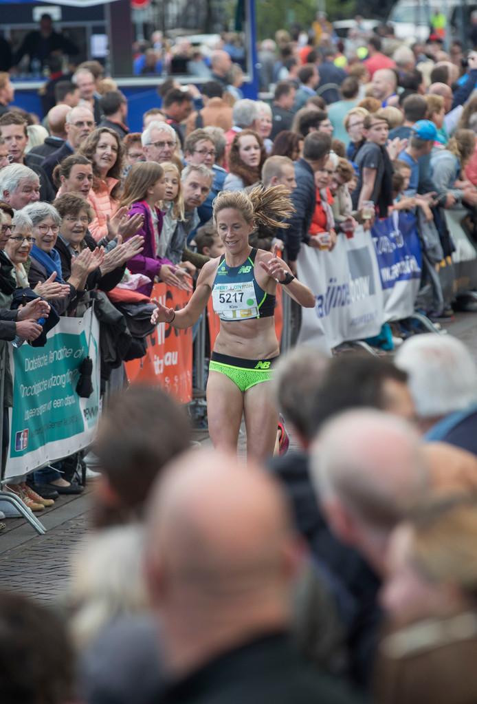 Kim Dillen, winnares van de Gemert City Run.