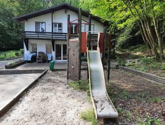 """Gemeentebestuur Kluisbergen zet Villa Vogelsanck (weer) te koop, beheerder ontgoocheld: """"Mijn hoofd begrijpt het, maar mijn hart bloedt"""""""