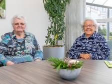 Riet en Ina zijn al tachtig jaar vriendinnen: 'De juf zag al dat we allebei verlegen waren'