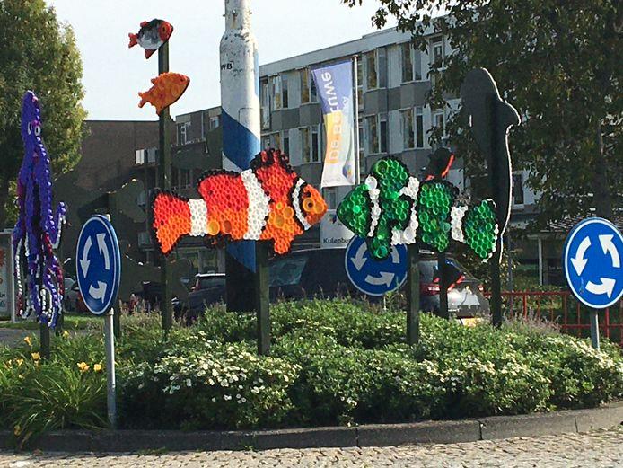 Van plastic flessendoppen maakten Culemborgse kinderen kunstwerken, met een boodschap over plasticsoep en zwerfafval.