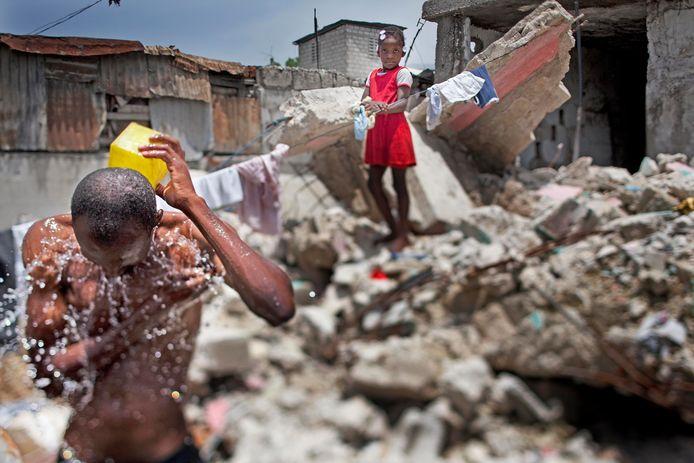 Een sloppenwijk Cite Soleil in het Haïtiaanse hoofdstedelijke arrondissement Port-au-Prince na de aardbeving in januari 2010.
