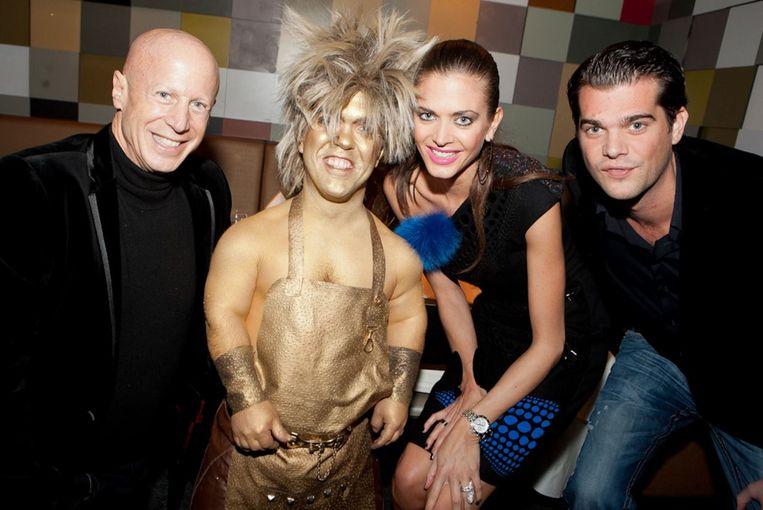 Stijn Keuleers met Astrid Coppens, haar broer Laurens en ex-man John Bryan. Beeld rv
