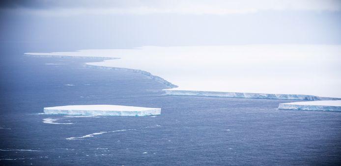 De ijsberg, die de naam A-68A heeft gekregen, brak in juli 2017 af en was toen even groot als de provincie Noord-Brabant.