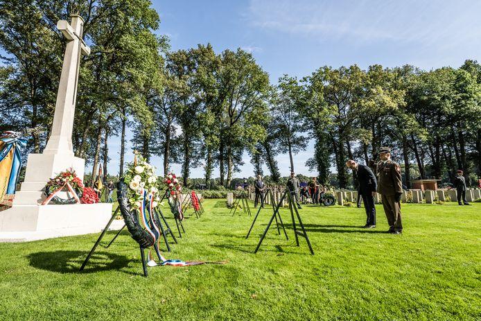 Groet van de Poolse delegatie voor de gesneuvelden.