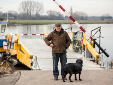 Water in IJssel stijgt 'abnormaal snel', pontjes uit de vaart: 'Ik loop honderden euro's per dag mis'
