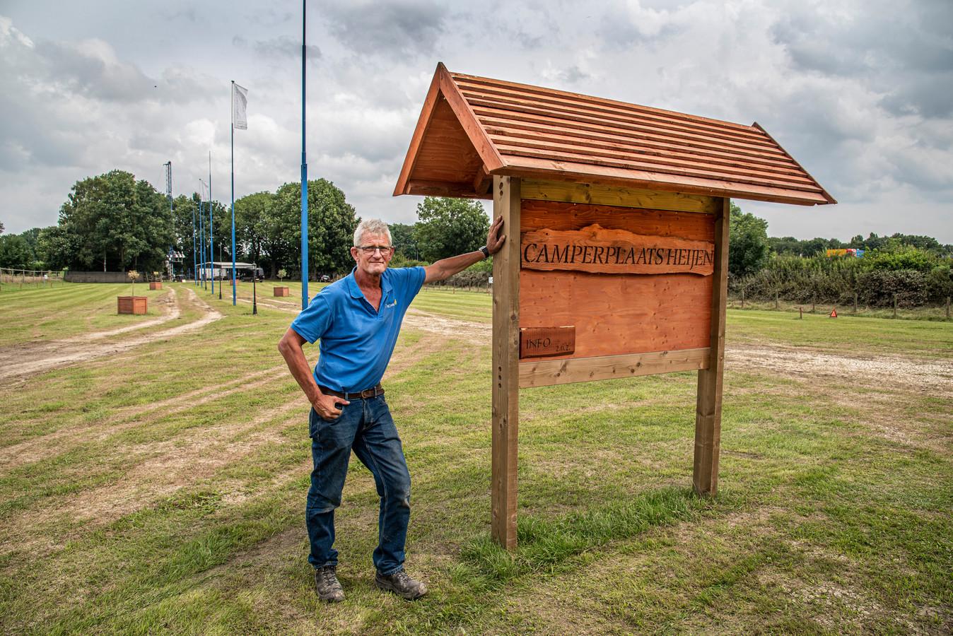 Sjaak Burgman uit Heijen heeft aan de Mergeldijk in Heijen een camperplaats gemaakt. op het gildeterrein.