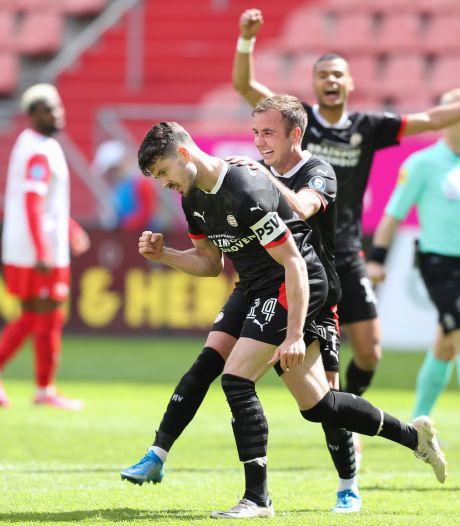 Samenvatting   Treffer van aanvoerder Van Ginkel hoogtepunt bij gelijkspel van PSV