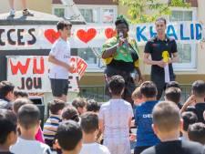 Schilderswijk zwaait olympiër Khalid Choukoud uit