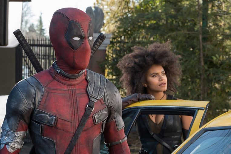 Ryan Reynolds en Zazie Beetz in Deadpool 2 van David Leitch Beeld