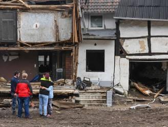 IN BEELD. Westen van Duitsland ruimt puin na noodweer, ondanks immens verdriet om meer dan 150 doden en compleet verwoeste dorpen