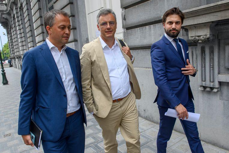 Egbert Lachaert (Open Vld),  Joachim Coens (CD&V, Georges-Louis Bouchez (MR) hebben vandaag in Nieuwpoort een afspraak met Conner Rousseau (sp.a).