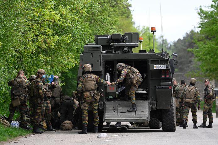 Militairen tijdens de zoekactie naar Jürgen Conings, de man die de bal aan het rollen bracht bij Defensie.
