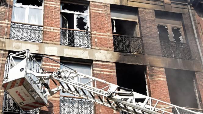 Felle brand legt appartementen in de as in Anderlecht: 1 dode, kind in kritieke toestand, 30 mensen naar ziekenhuis