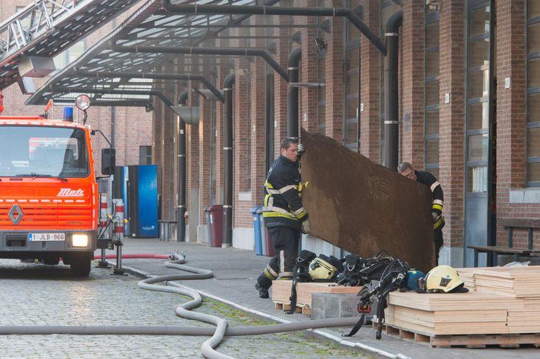 20150604 Belgie Boom brand in de schrijnwerkerijlokalen van het PTS.
