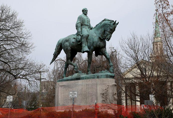 Het standbeeld van generaal Robert E. Lee wordt zaterdag weggehaald.