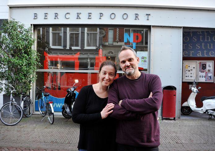 Danielle Vol en Timothy van der Holst willen van de leegstaande Berckepoort een restaurant met cultureel centrum maken.