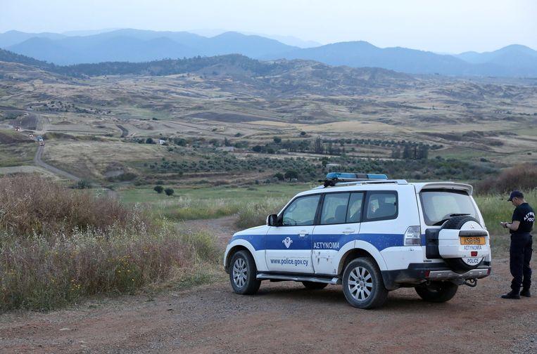 Agenten troffen gisteren op Cyprus het levenloze lichaam aan van een vrouw.
