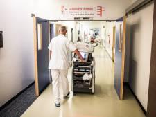 """Provincie Oost-Vlaanderen laat tijdelijk werkloos personeel helpen in zorgsector: """"Wie toehapt, krijgt opnieuw volledig loon"""""""